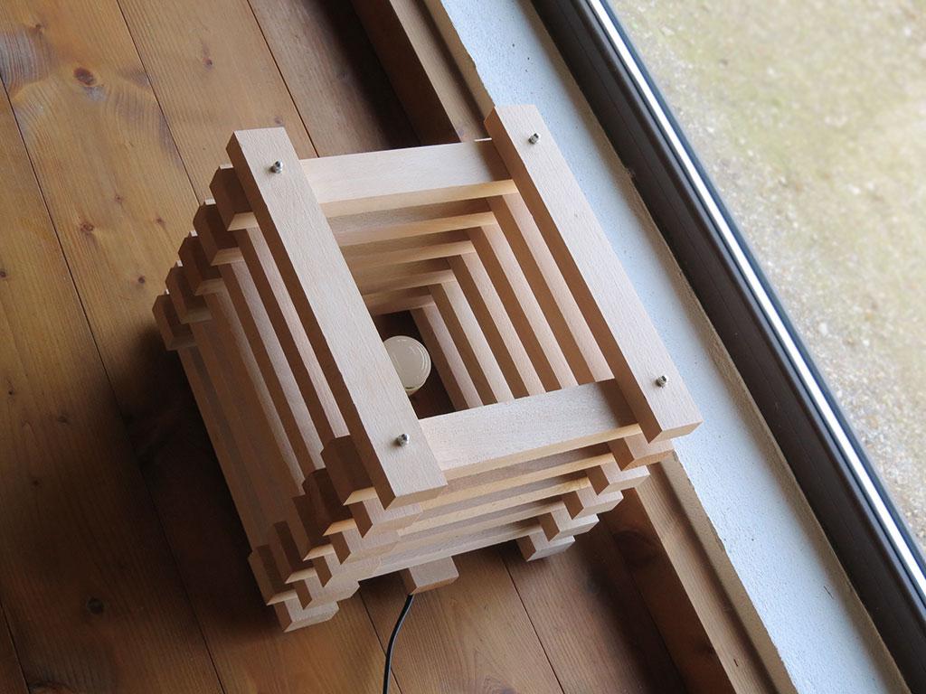 Produzione bancali in legno e pallet su misura for Arredamento con bancali legno